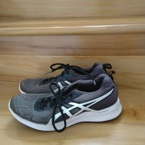 Asics women's shoes size 6.5